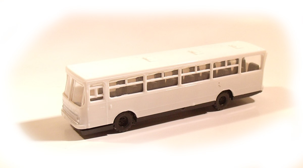 MKModelle Ikarus buss valge , 00103
