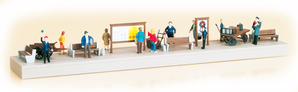 Auhagen Platform equipment with figures 11339
