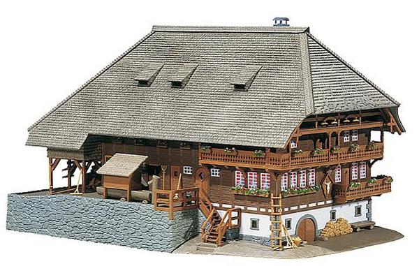 Faller Black Forest farmyard 130366