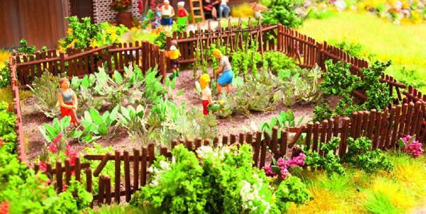 Для сада огорода декор