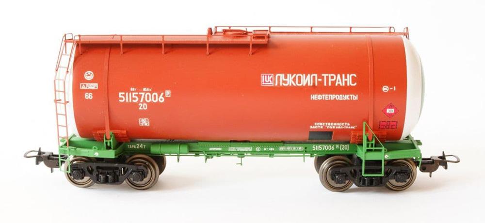 Onega Tank car 15-1447 'Lukoil-Trans'  , 1447-0005