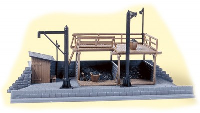 Auhagen 13291: Coal bunker and waterspout