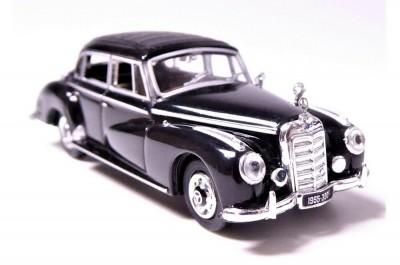 Brekina 38312: RICKO: Mercedes MB 300 C, W186 черный