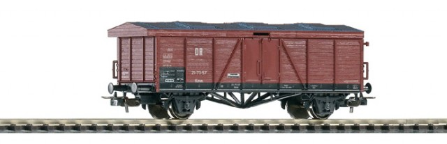 Piko 54102: Крытый грузовой вагон Typ Kmm21